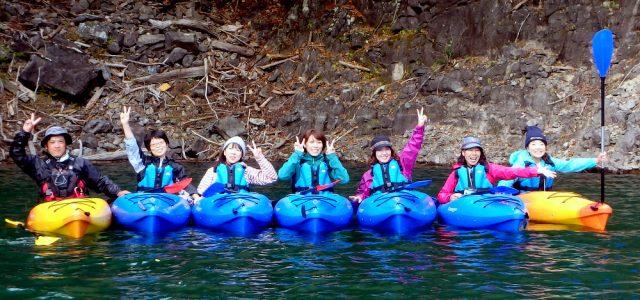【2016㉔ 川俣湖カヌー体験レポ】紅葉全開!カヌーでしか見れない隠れた名所に釘づけ!