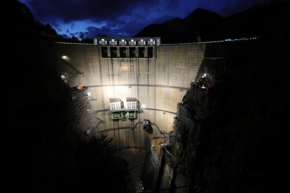 【10/27(日)】川俣ダムのライトアップ&星空観察 奥山の渓谷で輝く、芸術のアーチボティ